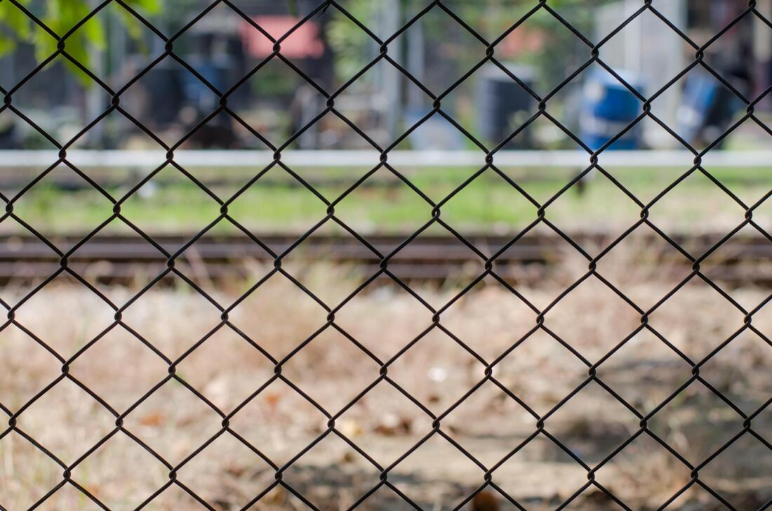 professional chain link fence