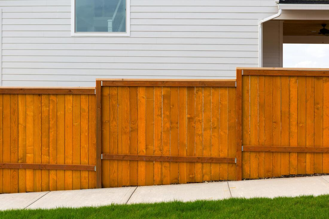 professional wood fence services